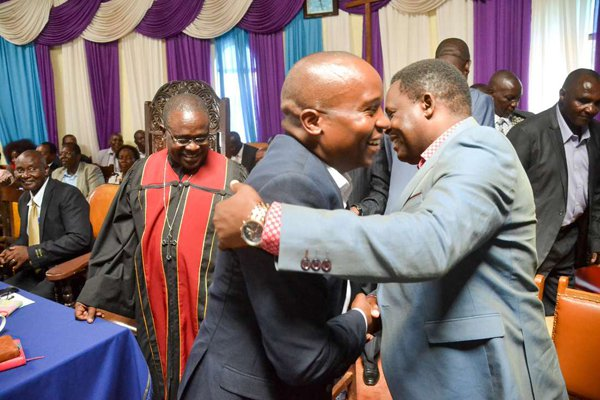 Jubilee leaders: We'll amend law, swear in Uhuru if Supreme Court rules against him